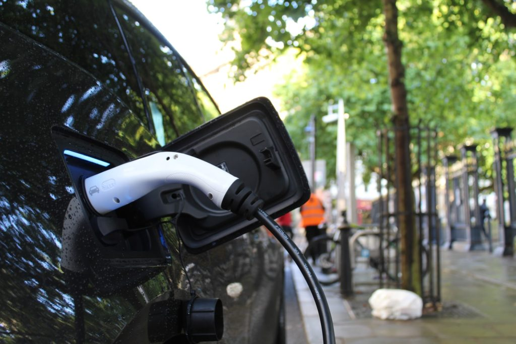 How Do Electric Cars Work | Metromile